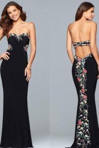 Size 4 Prom Dress for sale in Philadelphia Pennsylvannia